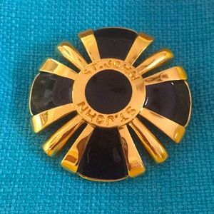 St. John Fantastic brooch In amazing vintage Pin